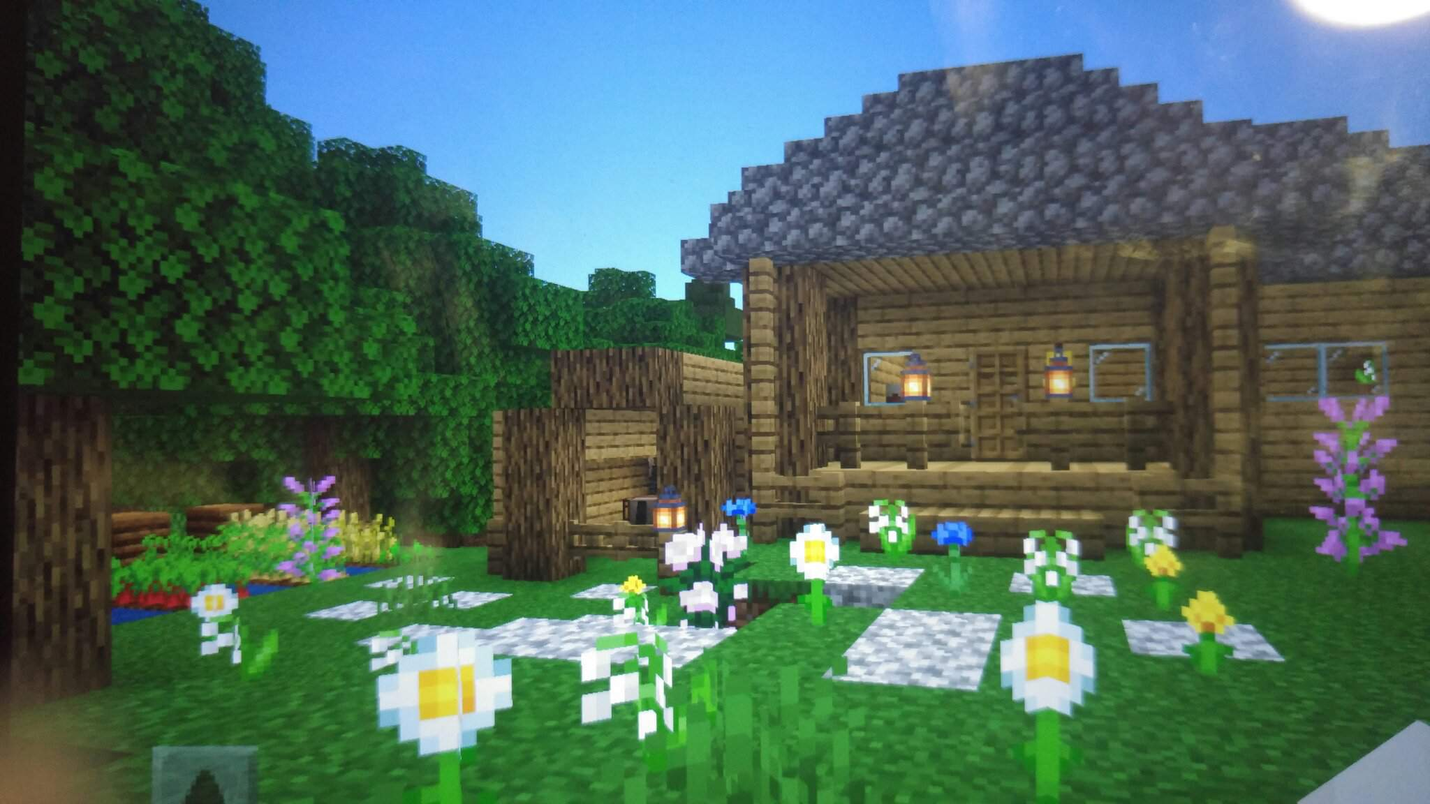 Cute Survival Flower Cottage