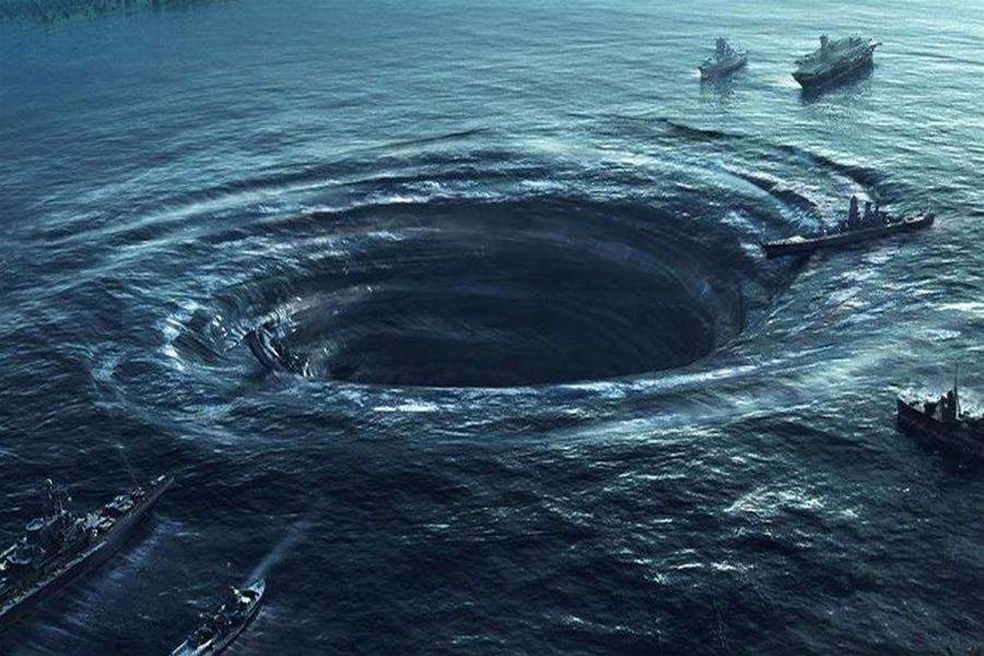 В течение 20 века Бермудский треугольник поглотил сотни кораблей и самолетов.