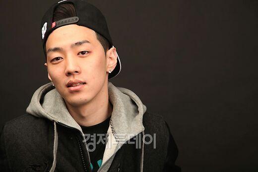 Lee Sung Hwa Gray