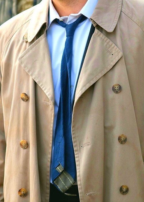 Castiels trenchcoat and tie supernatural amino the striped tie should be solid blue like before but i understand all the claires thing so what do you think ccuart Gallery