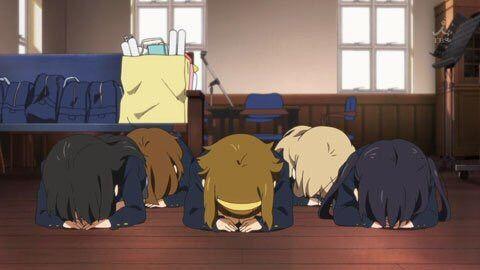 """Résultat de recherche d'images pour """"dogeza anime"""""""
