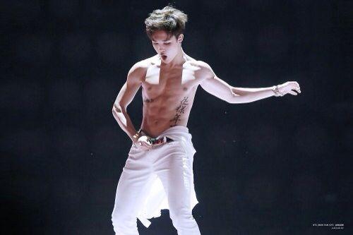 Shirtless kpop idols (your welcome xD) | K-Pop Amino