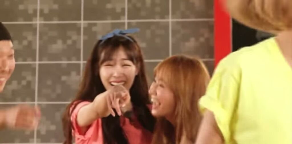 Girls' Generation's Dance Battle On Running Man! | K-Pop Amino