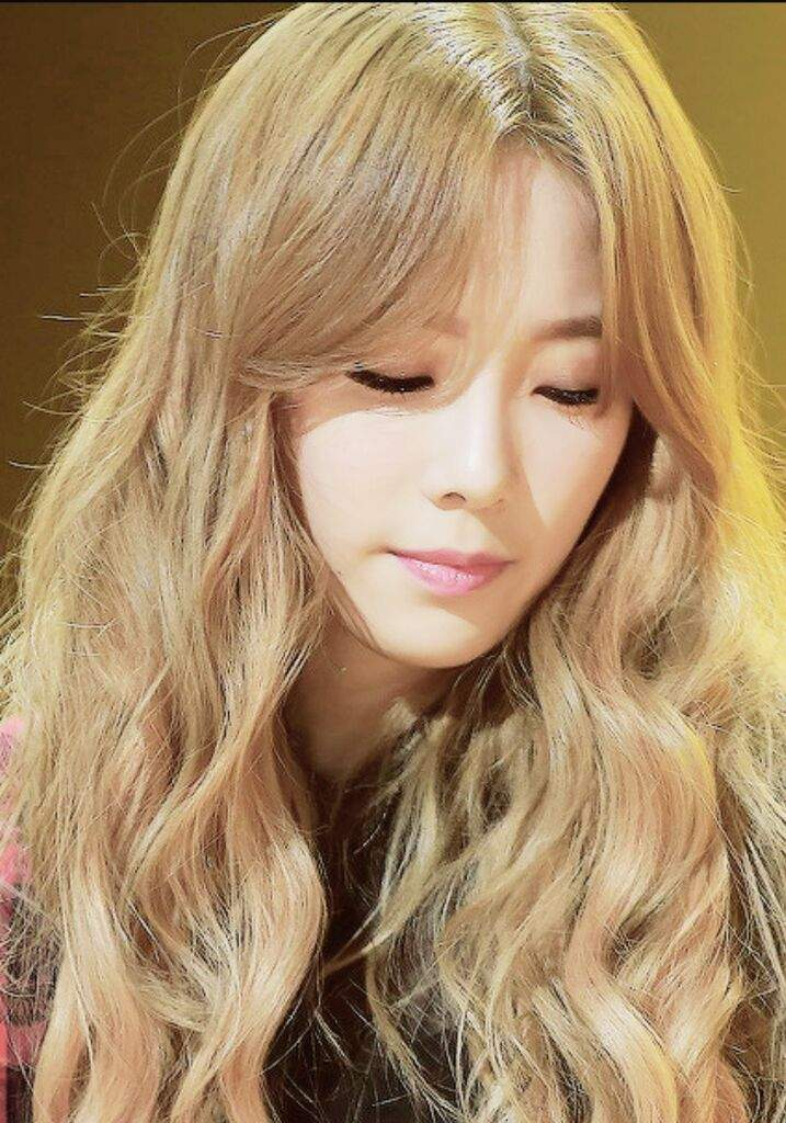 Which Hair Color Suits Snsd Taeyeon The Best K Pop Amino