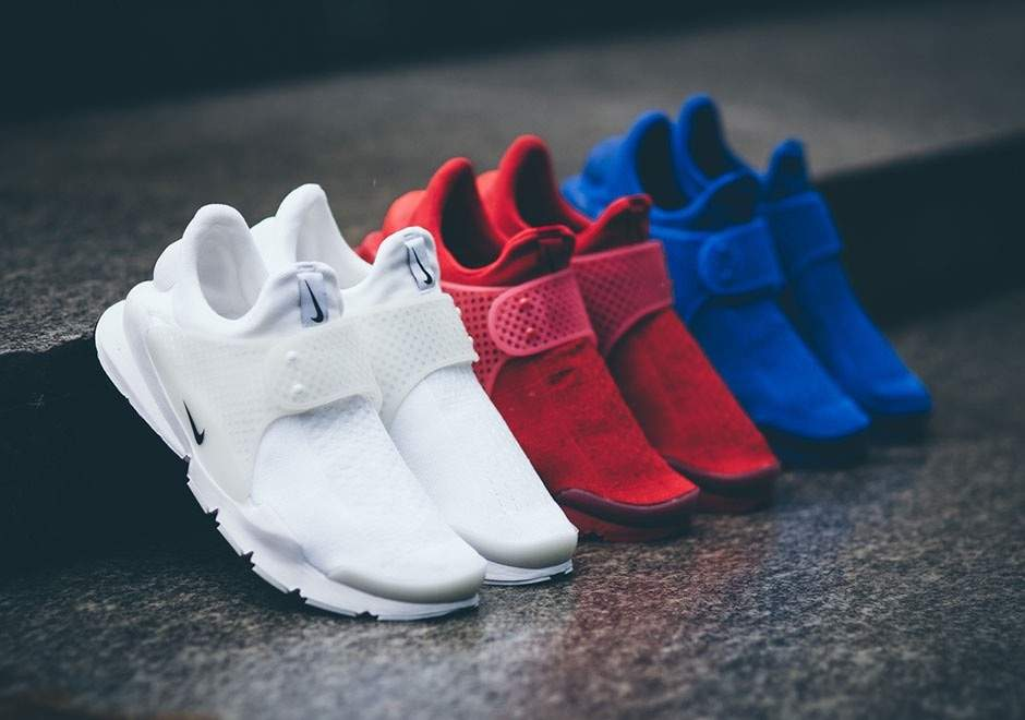 88818ea4bb7 I missed out on every single Fragment x Nike Sock Dart so I m glad that Nike  is finally releasing non-collab version of the sneaker. There is no way I m  ...