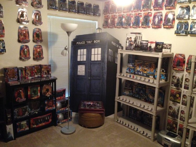 a188c6dd5cb This entire wall is dedicated to The Doctor. The top shelf of the bookcases  are dedicated to The TARDIS. Lower three shelves are a showcase of The  Doctor ...