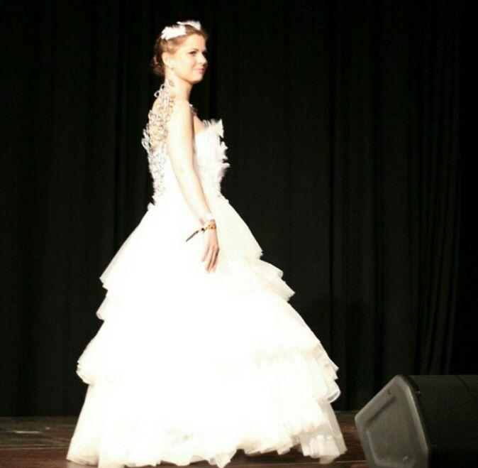 Katniss Everdeen Cosplay The Wedding Dress Cosplay Amino