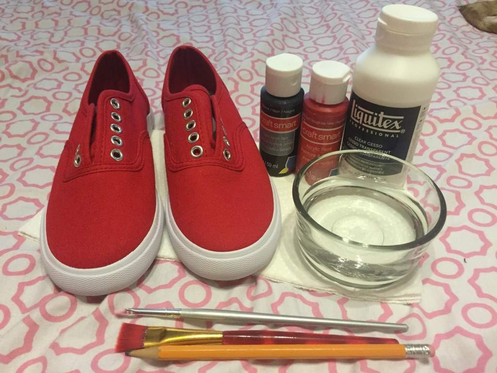 Does Acrylic Paint Work On Canvas Shoes