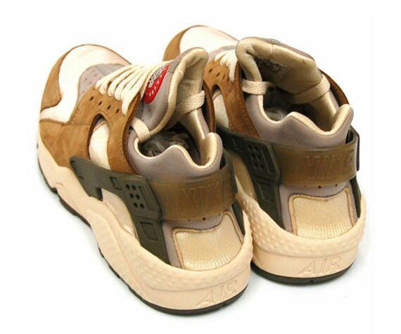 the latest a56d4 4554c TBT: The Nike Air Huarache X Stussy | Sneakerheads Amino