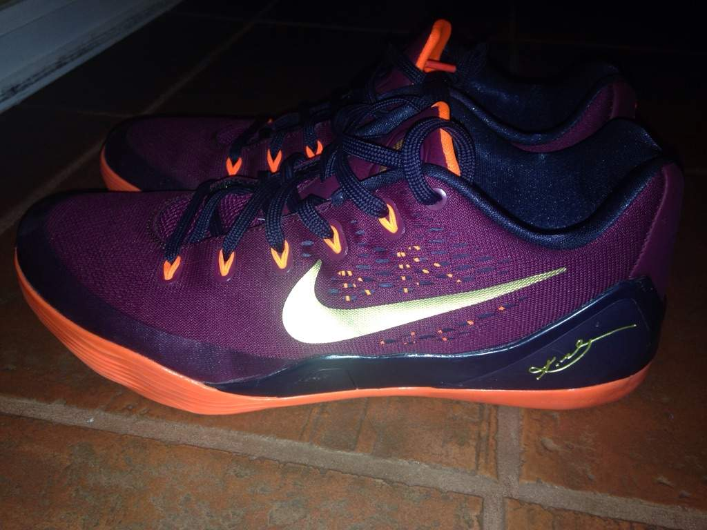 My Kobe 9's keeping squeaking when I take a step. HELP!!