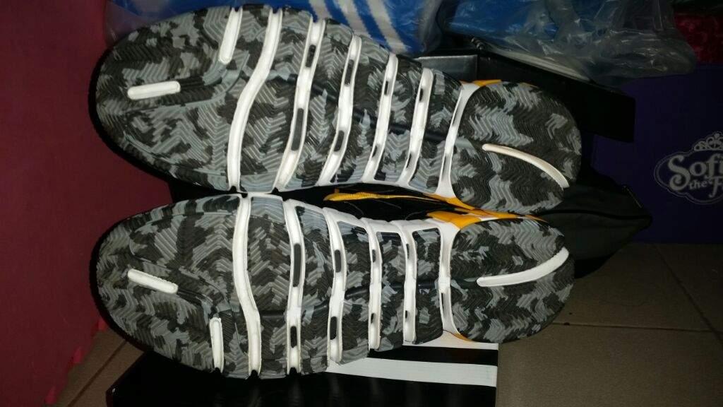 best service 48a9d 56af7 Adidas Crazy Quick 2.5 Low Jeremy Lin lakers P.E.  Wiki ...