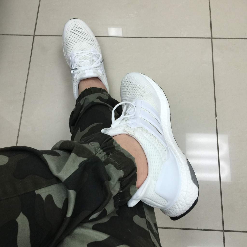 1895ab14816d2 Adidas Ultra Boost Triple White