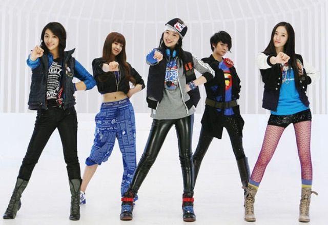 creative kpop outfit female 14