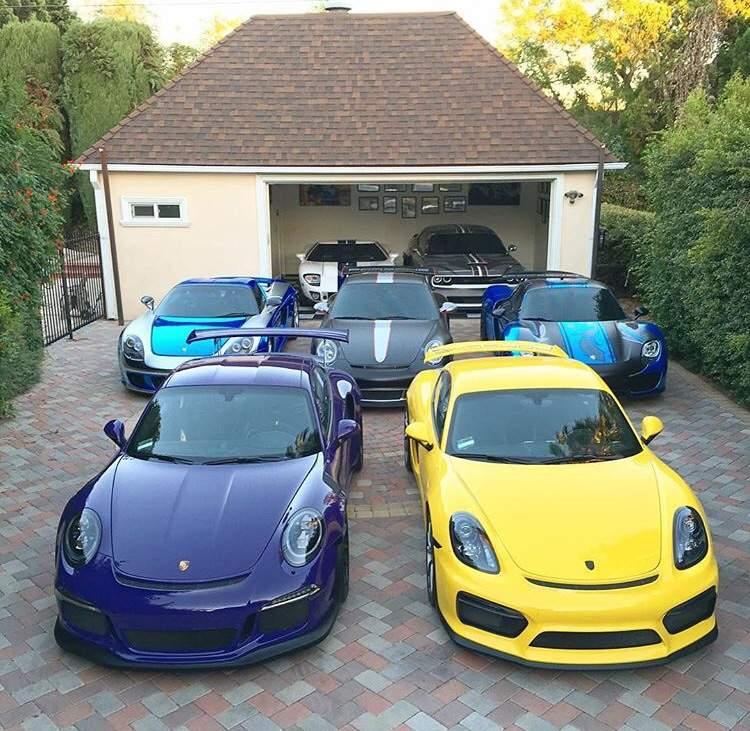 Pick One Of Salomondrin S Cars Garage Amino