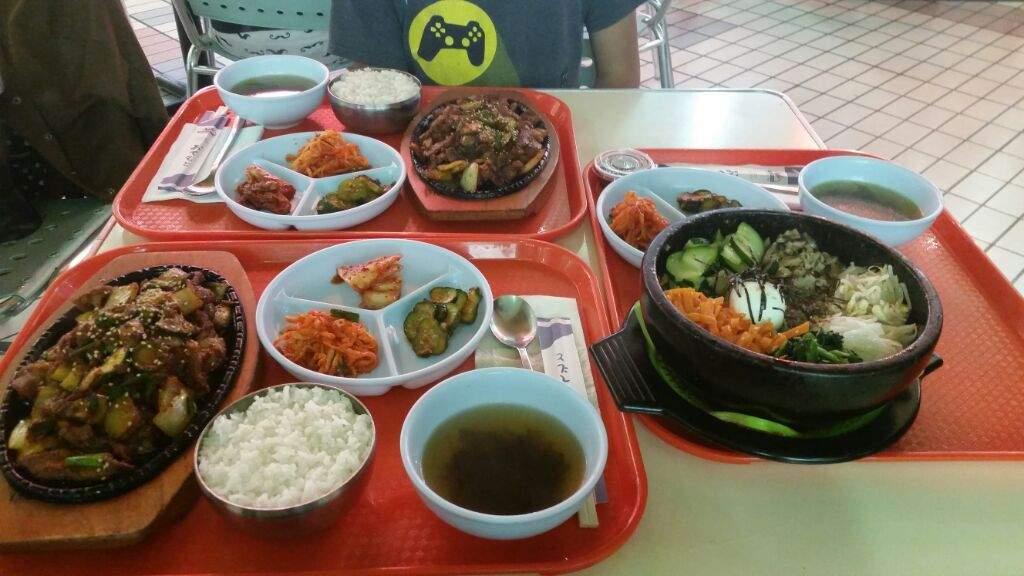 Trip to Koreatown, LA & kpop merch | K-Pop Amino