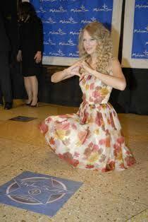 Taylor Swift Hollywood Walk Of Fame Star | Swifties Amino