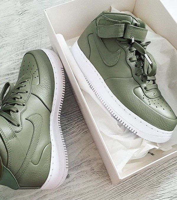 timeless design 257ed 3547c So the Nike Air Force 1 is a sneaker icon. Think about it if the Air Force 1  was never invented we would have probably never had and Jordans at any  shoes ...