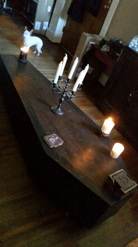 Coffin Coffee Table Horror Amino - Coffin coffee table