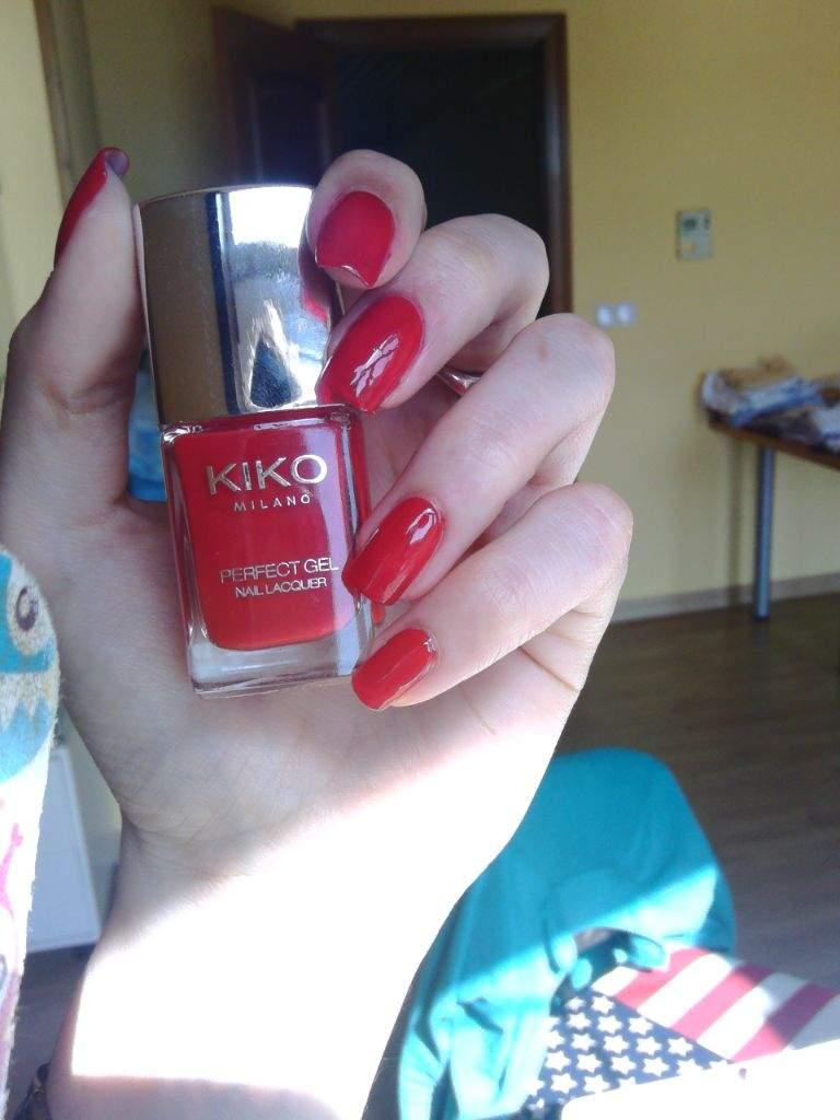 Swatch Kiko Perfect gel duo 671 Fire Red | Nail Art Amino
