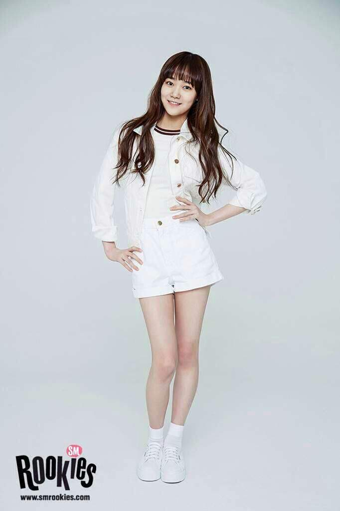 Kpop Idols Trainees Born In The Year 2000 K Pop Amino