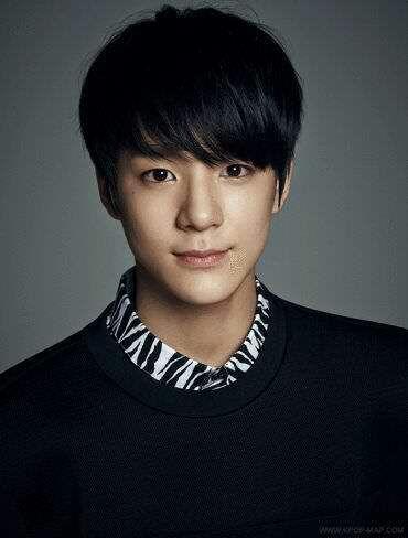 Kpop Idols/trainees born in the year 2000 | K-Pop Amino