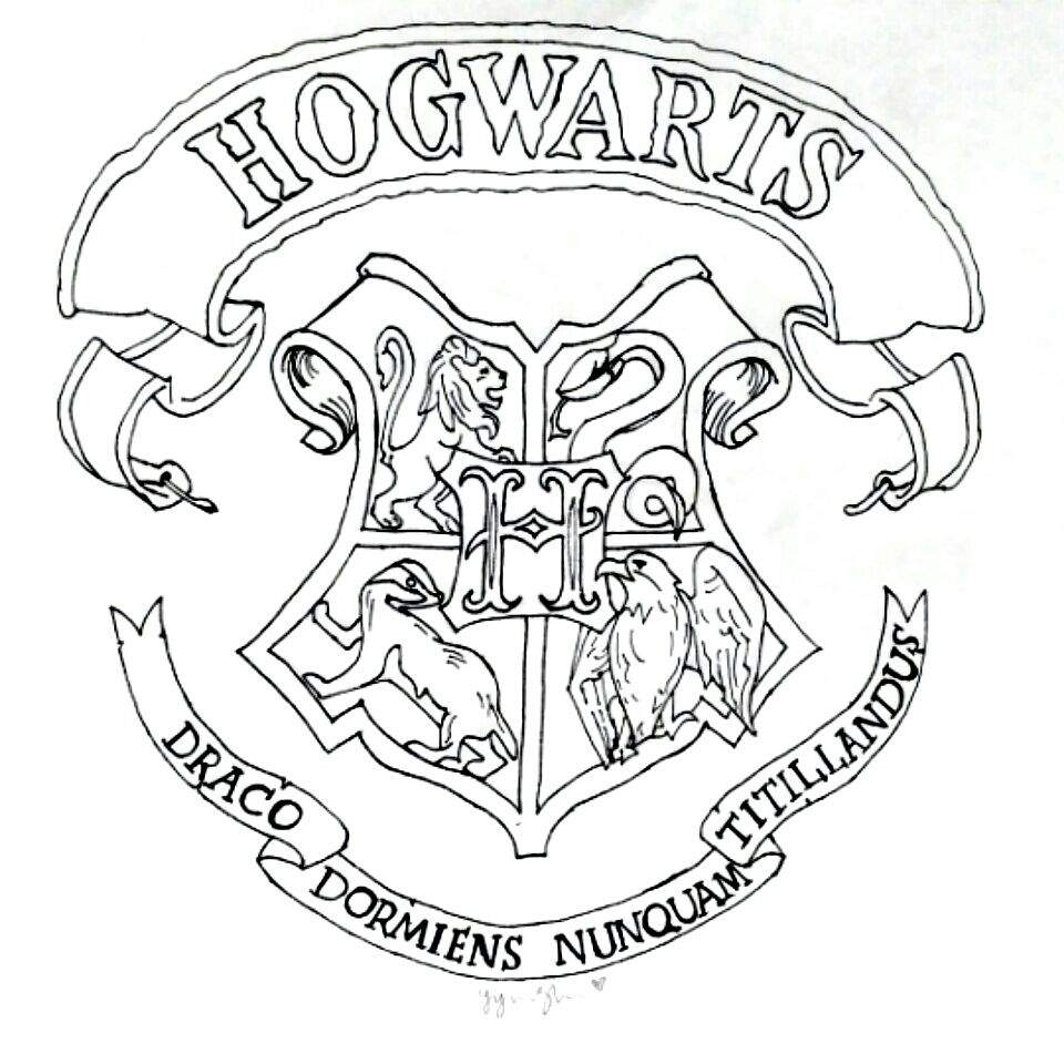 Hogwarts crest drawing | Harry Potter Amino