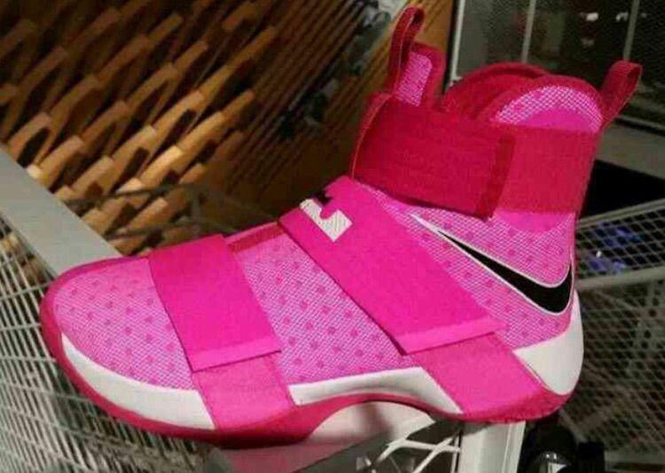 sale retailer df412 aa28a 🔥 Nike LeBron Soldier 10