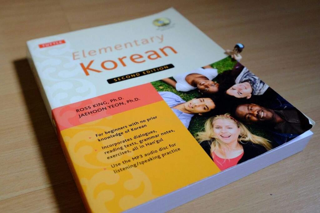 My 5 Best Books For Learning Korean | K-Pop Amino