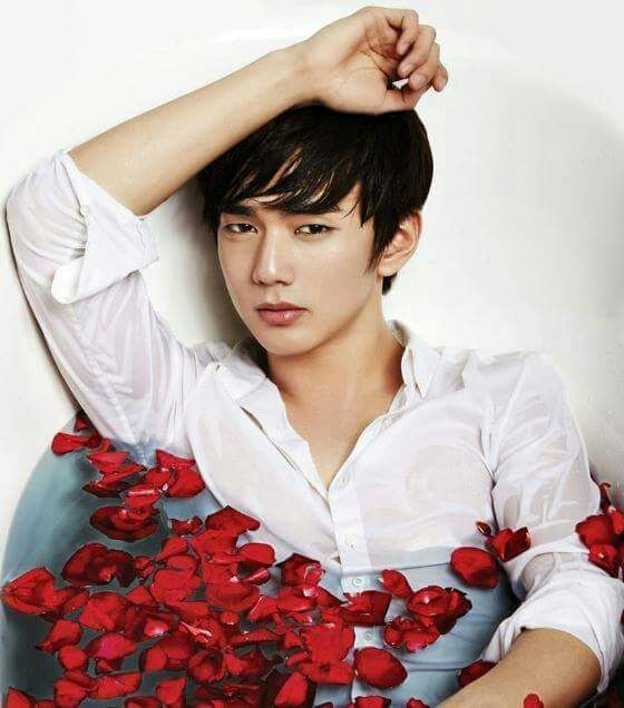 Mancrushmonday yoo seung ho k drama amino yoo seung ho isnt just an actor just like the other actors in korea too seung ho has a lot inside too seung ho is a south korean actor and model who thecheapjerseys Gallery