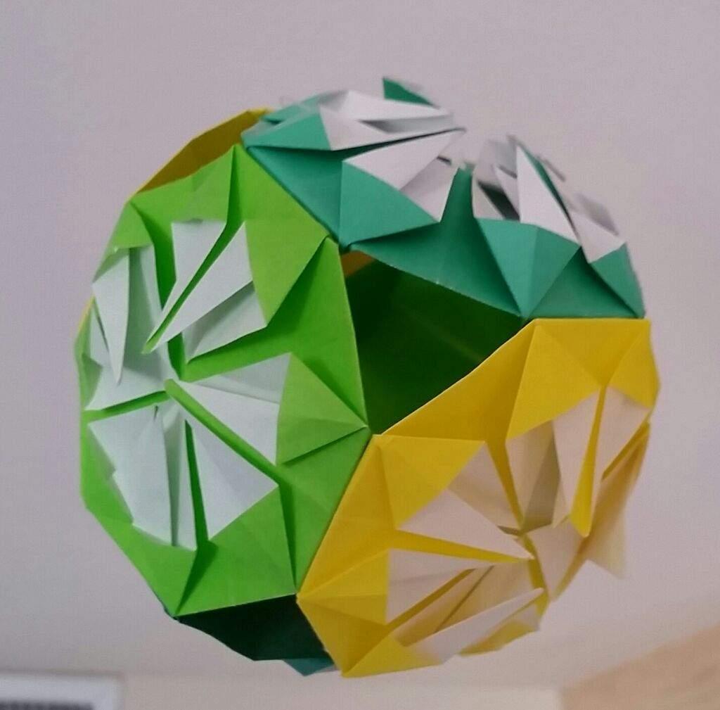 Easy Origami Sphere (16 Flaps) Full Tutorial - [Jun Mitani ] - YouTube | 1009x1024