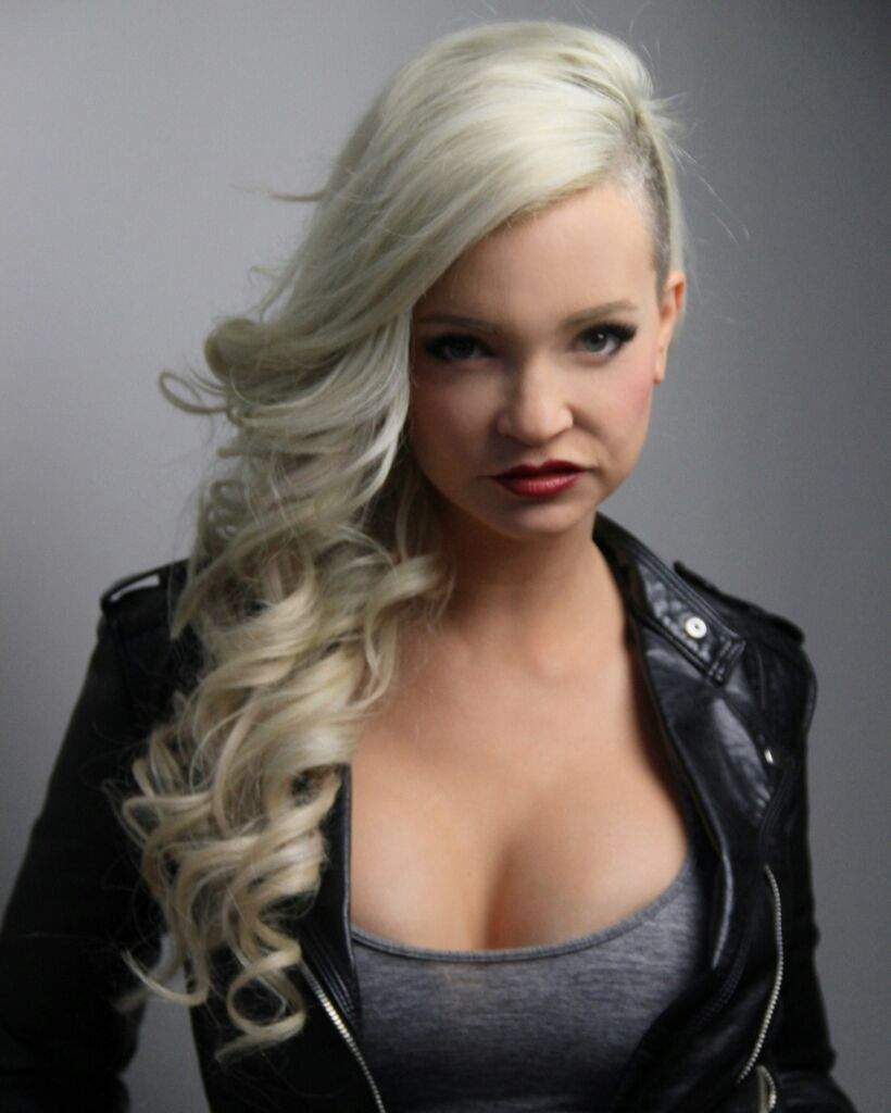 Interview With Horror Actress Mindy Robinson