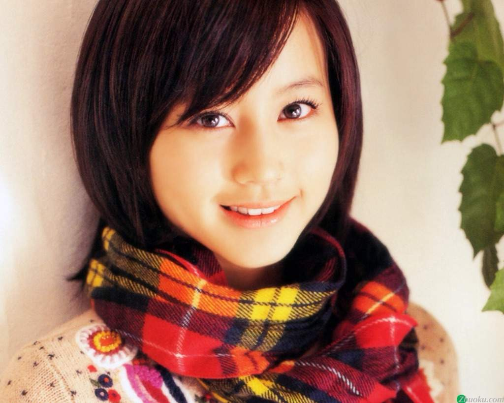 Maki Horikita (b. 1988 Later became an actress Maki Horikita (b. 1988 Later became an actress new pics