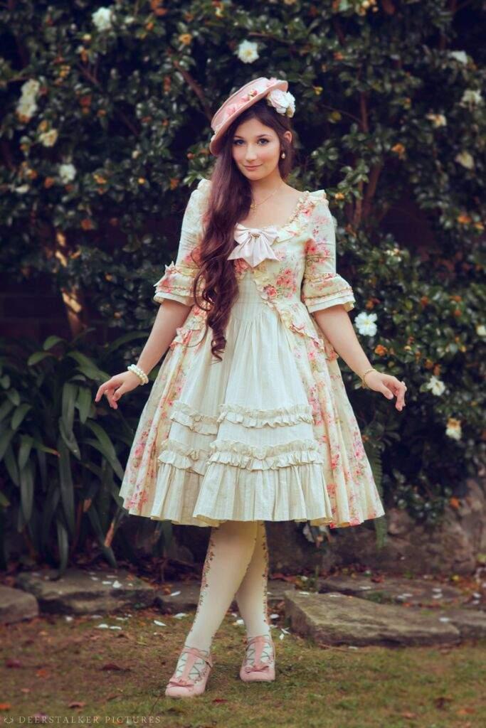 Lolita Types: Classic Lolita!   Fashion Amino