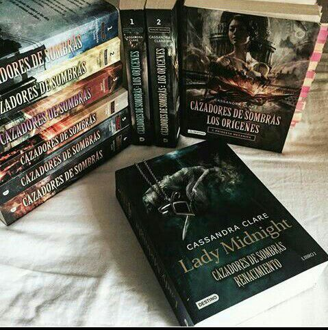 CAZADORES DE SOMBRAS [En que orden leerlo] | • Libros • Amino
