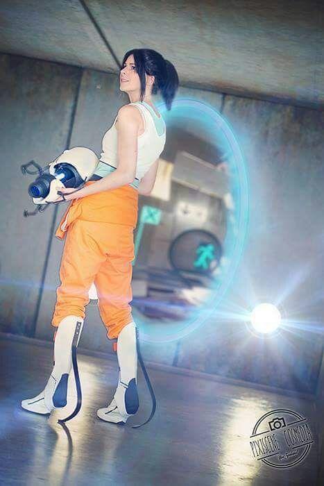 Chell Portal 2 Cosplay Amino