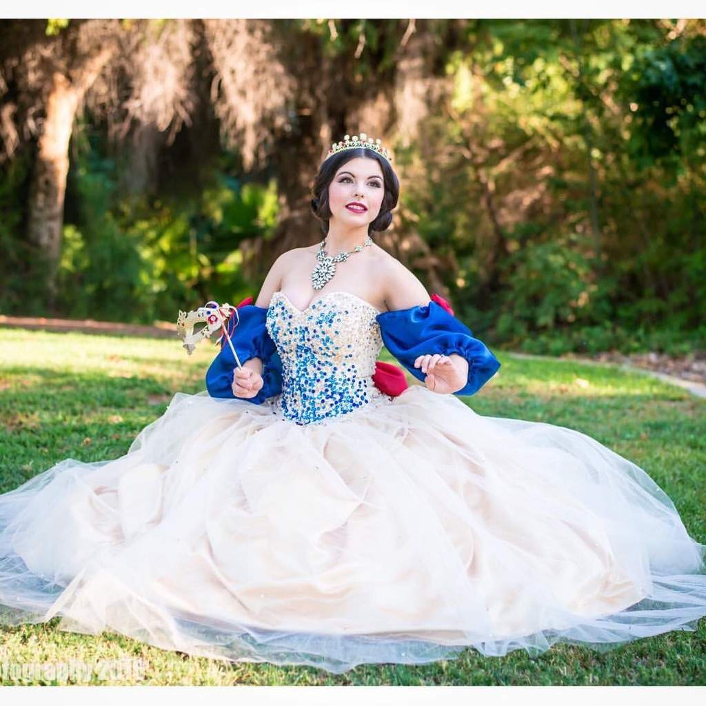 Snow White gown for Labyrinth Ball! | Cosplay Amino