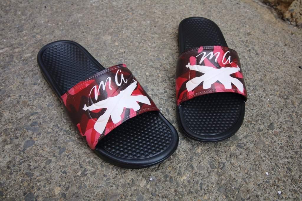 801829d78fc79 Custom Nike Benassi Slides | Sneakerheads Amino