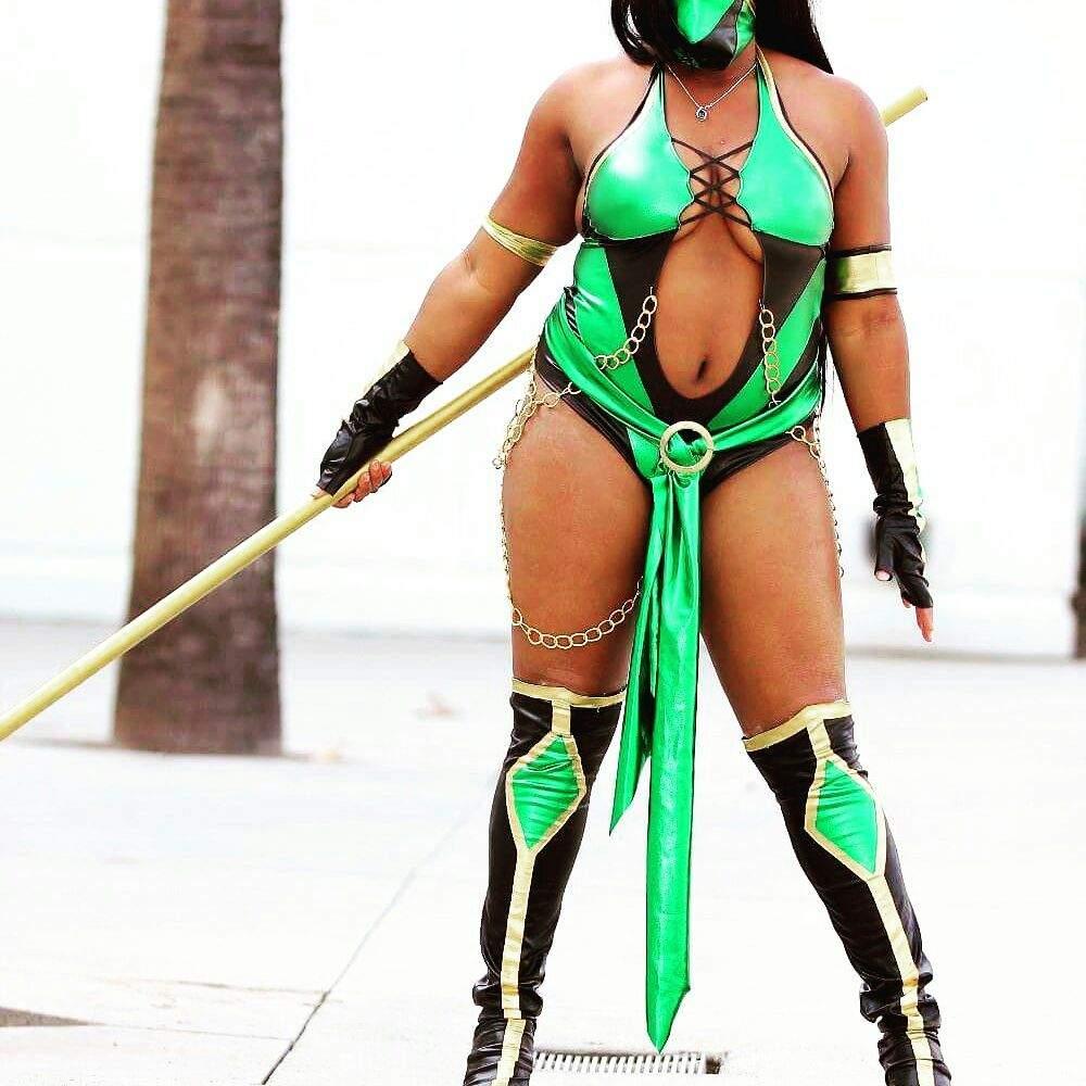 Jade Cosplay From Mortal Kombat Cosplay Amino