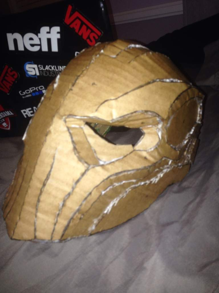 My diy deathstroke mask comics amino this is the mask finished held together by hot glue which i held together with construction tape before glueing pronofoot35fo Images