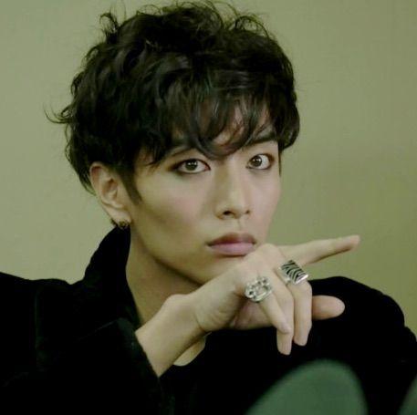 Shut up flower boy band lee min ki dating