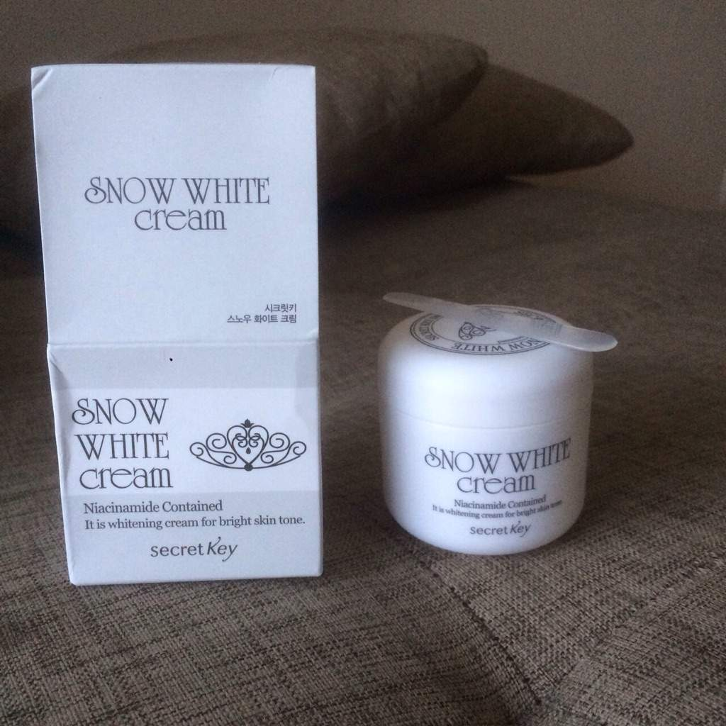 First Impreasion Snow White Cream By Secret Key Korean Beauty Amino It Comes With Spatula Which I Love Means That The Stays Hygienic And Doesnt Get Under My Long Nails