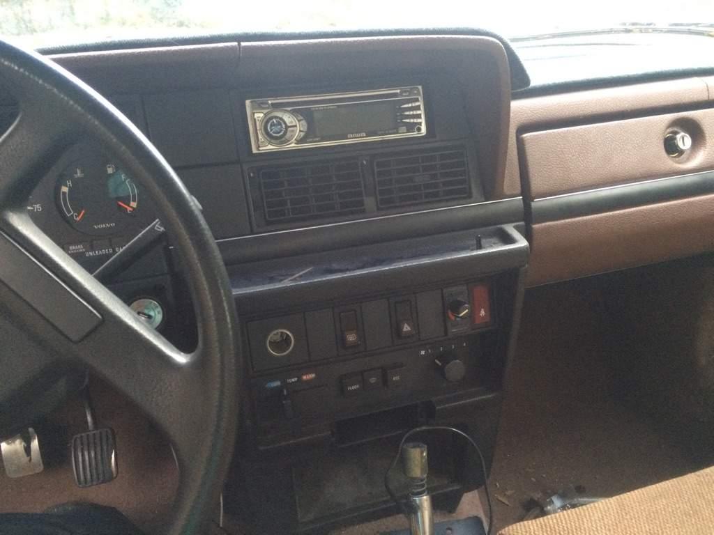 Volvo 240 Cummins Swap