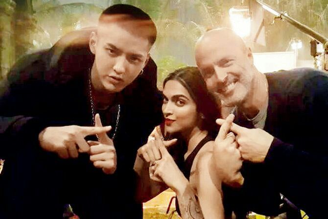 OMG! Kris Wu and Exo's Lay is working with Indian actors💞💝💖 | K