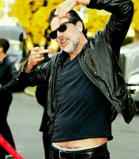 Jeffrey Dean Morgan Wiki Walkers Amino