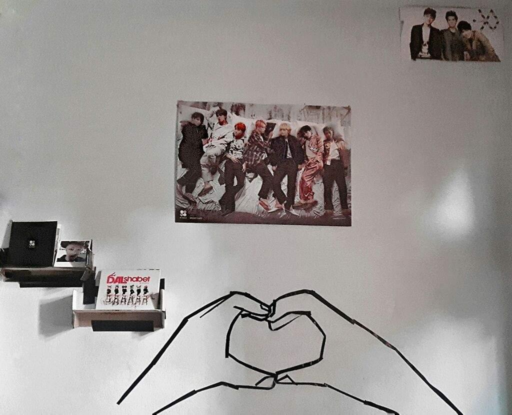 Diy Kpop Wall Decor Army S Amino