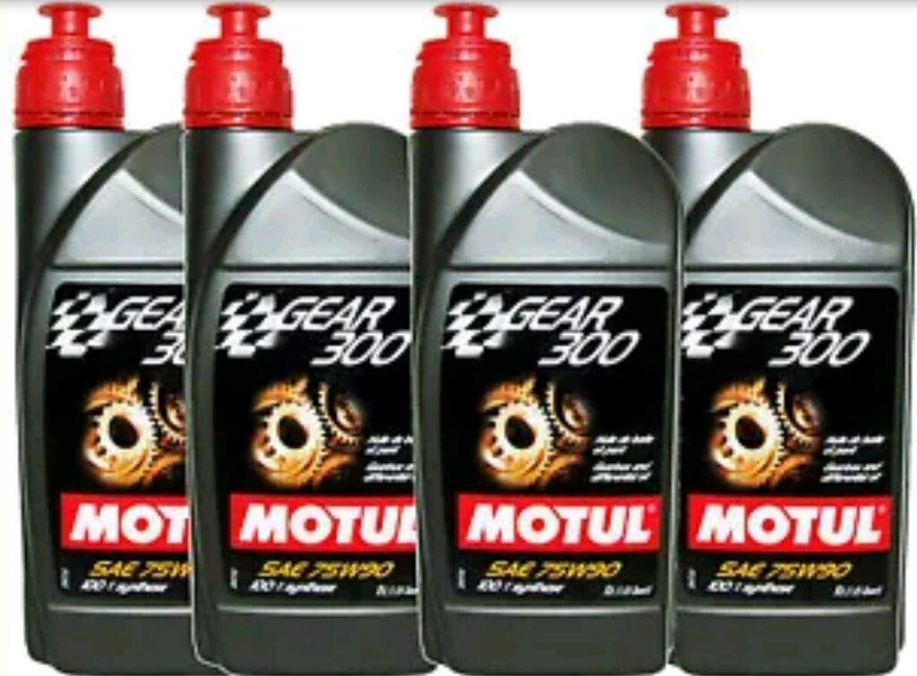 Review: Motul Gear 300 75w90 | Garage Amino