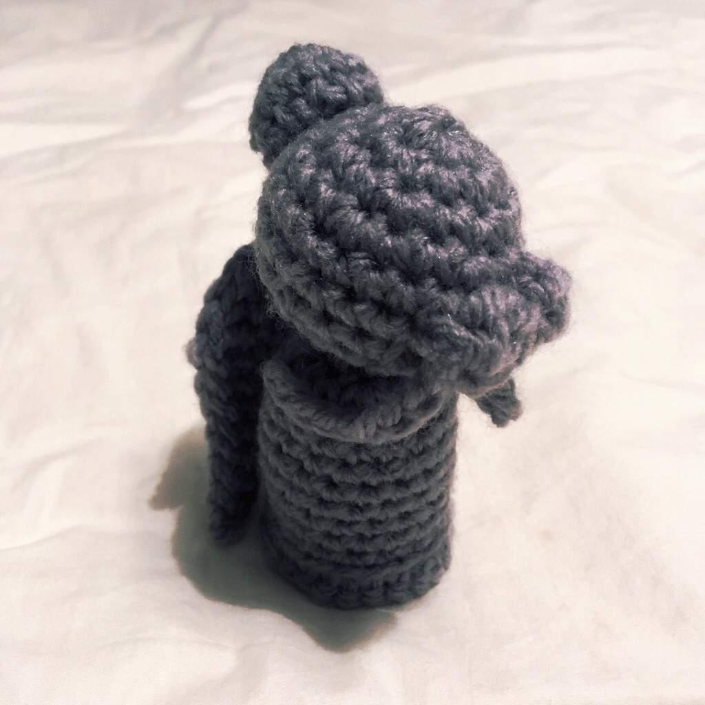 Kiwi gets Crafty: Crochet: A Weeping Angel | 1024x1024