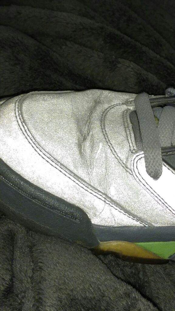 b603d3f42f28 Does anyone know how to get the crease out of a pair of Jordans ...