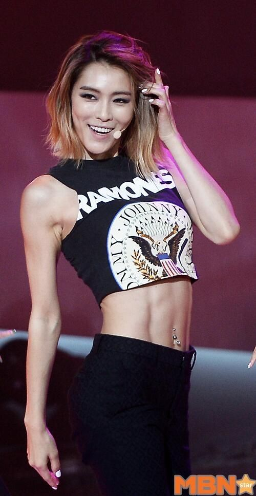 Is this the best KPOP female ABS???? | allkpop Forums
