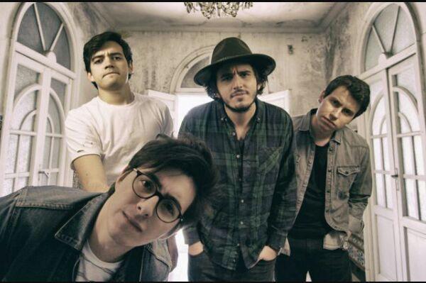 6c59f5e42 Este grupo colombiano, empezó en la industria musical hace poco, pero con  un buen pie, ya que en España, logró llegar a puestos muy altos en las  listas de ...